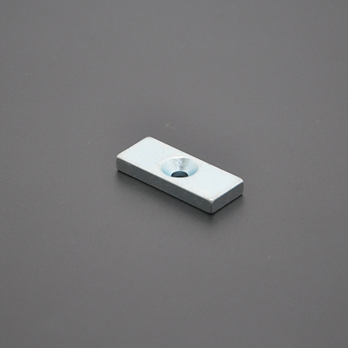 沉孔方形磁铁30×12×4×M4
