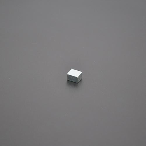 方形磁铁8×7×4.9