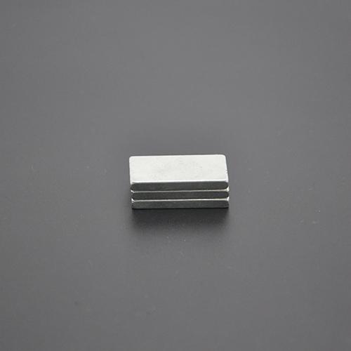 方形磁铁27 13.7 3