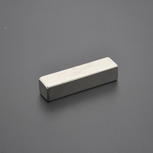 方形磁铁49×12×11