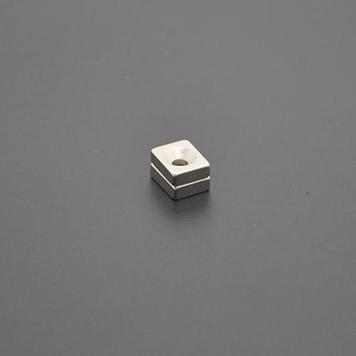 方形沉孔磁铁10×8×3×M3