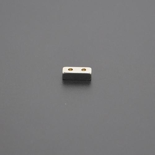 方形带孔磁铁11×4×3.5×2×1.6